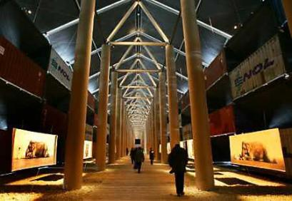 New York Architecture Images Chelsea The Nomadic Museum